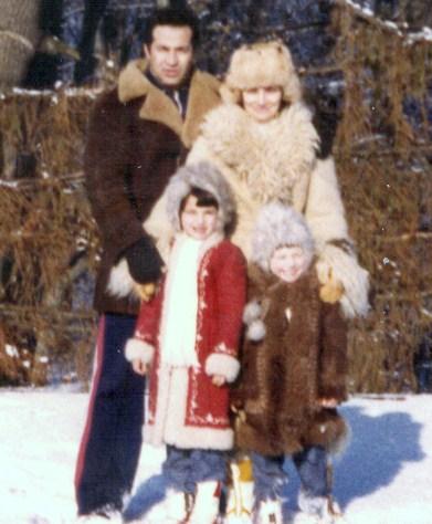 Dan Voiculescu impreuna cu familia